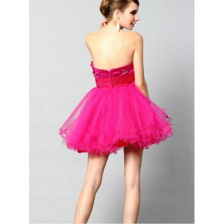 Lange galajurken, met een moderne of glamour uitstraling. Onze lange galajurken hebben een couture uitstraling, deze moderne jurken zijn gemaakt van luxe stoffen, .