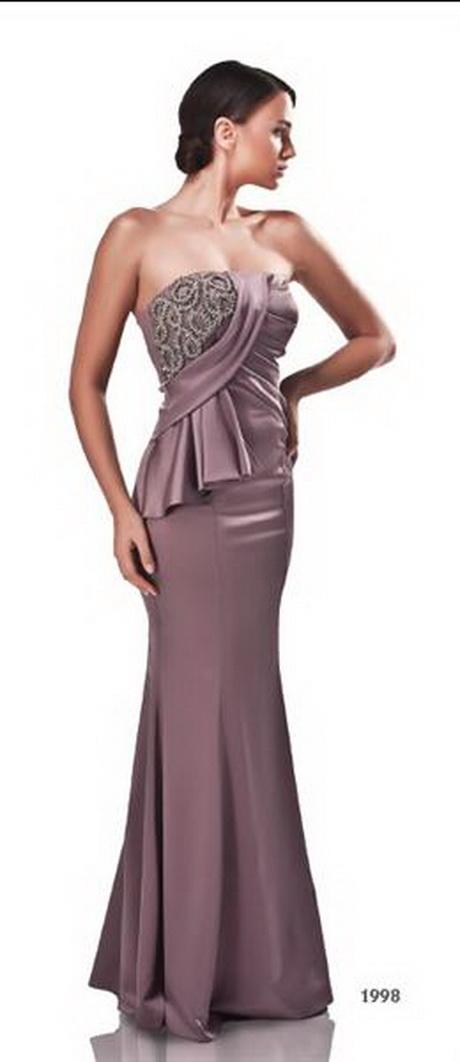 Mooie jurken moeten mooi blijven. Daarom is het belangrijk dat je je jurken koopt bij een winkel waar je goede service en garantie ontvangt. Let erop dat je alleen mooie jurken koopt bij online winkels die een webwinkelkeurmerk hebben en waarvan je de contactgegevens makkelijk kunt vinden.