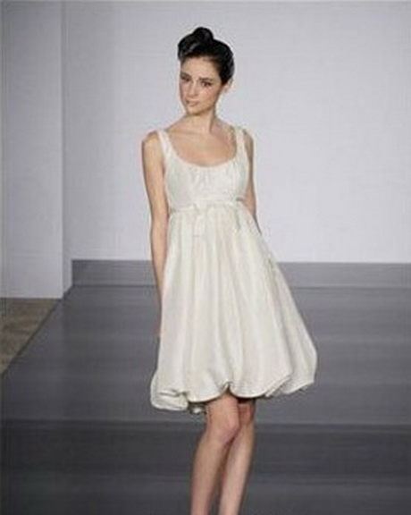 Op zoek naar een mooie cocktailjurk? Dan slaag je ongetwijfeld bij de collectie jurken van Phase Eight, Karen Millen of Ted Baker. Dress up! Met onze designer jurken. De Bijenkorf staat bekend om haar .