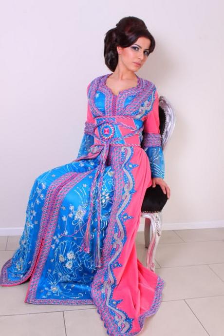 Mooie dames jurken zijn een handig kledingstuk omdat ze op veel verschillende momenten gedragen kunnen worden. Ga je naar een feestje of diner, dan kan je een jurk dragen. Ga je naar een gala, dan heb je ook een jurk nodig.