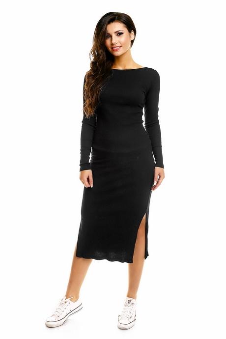 jurken Een jurk is een onmisbaar item in de garderobe van elke vrouw. In de veelzijdige collectie van Vero Moda vind je daarom een groot aanbod aan jurken die je van dag tot nacht kunt dragen.