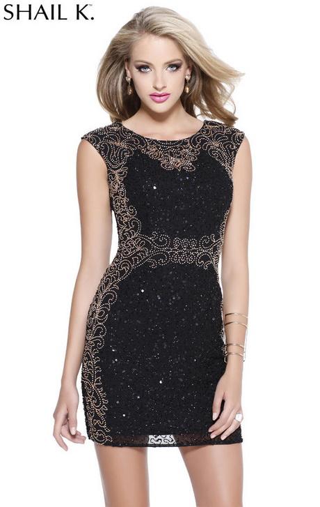 Dan is een korte en strakke jurk aka een bodycon dress meer je ding, waarmee je sexy rondingen in de verf gezet worden. Voeg eventueel nog wat cut-out elementen toe om je .